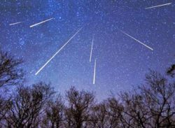 """Atenție! … Cad stele! Curentul de meteori """"Orionidele"""" a ajuns la maxim anul acesta chiar astazi"""