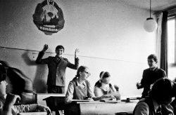 Viaţa unui român din perioada comunistă în fotografii – GALERIE FOTO