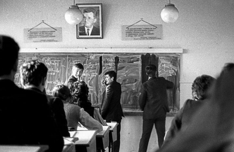 viata-in-comunism-9