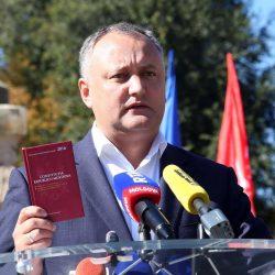 Liberalii de la Chișinău strâng semnături pentru suspendarea președintelui Republicii Moldova, Igor Dodon