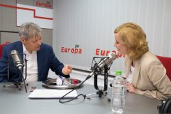 Dacian Cioloș la un an de la preluarea mandatului, video live la Interviurile Europa FM – VIDEO