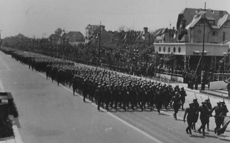 bucuresti-10-mai-1942-parada-infanteriei