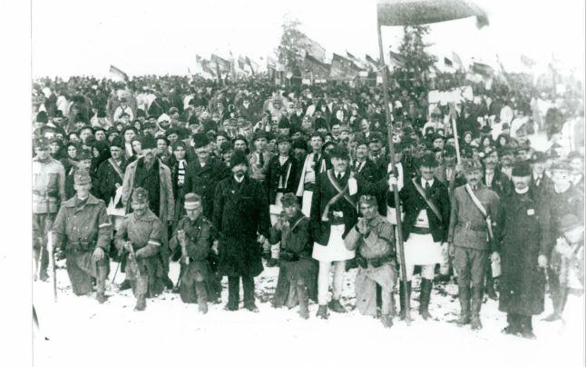 participanti-adunati-pentru-marea-adunare-nationala