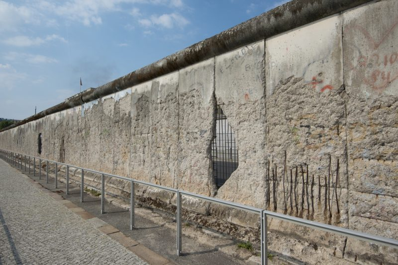 shutterstock-zidul-berlinului-2