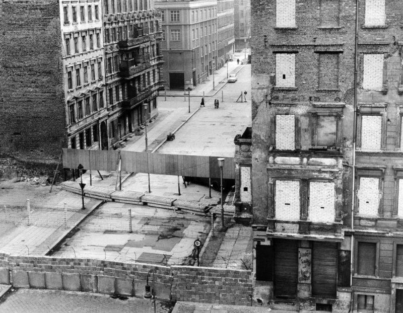 shutterstock-zidul-berlinului-4