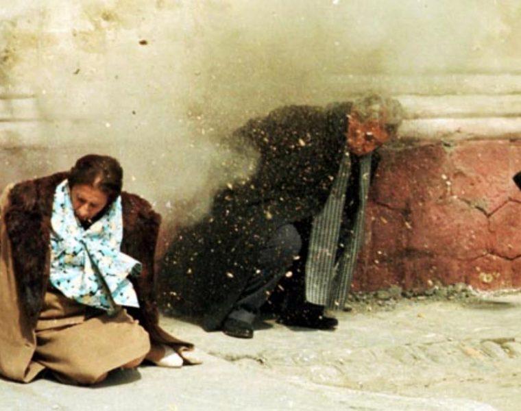 Revolutia Romania din 1989 Impuscarea cuplului Ceausescu rarehistoricalphotos.com