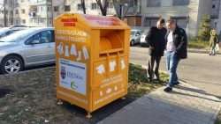 """Primăria Focșani a lansat """"Garderoba socială"""", un proiect destinat oamenilor săraci"""