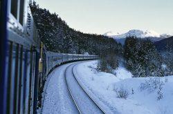 80 de trenuri, anulate din cauza vremii; Garniturile circulă cu întârziere