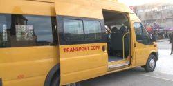 Vaslui: Microbuz școlar lovit de o mașină; șapte copii transportați la spital