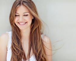 STUDIU:  7 din 10 femei consideră  că frumusețea poate fi obținută prin atitudine, personalitate și alte atribute care nu au legătură cu aspectul fizic