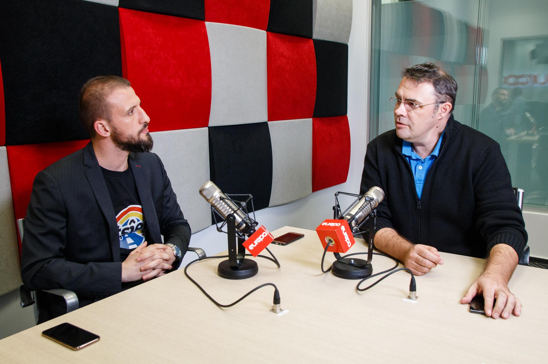 Stefan Mandachi Hd: La Radio Cu Andreea Esca și Constantin Stan : Europa FM