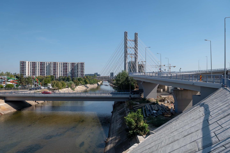 Pasajul Ciurel: A fost turnat primul strat de asfalt pe ...  |Podul Ciurel