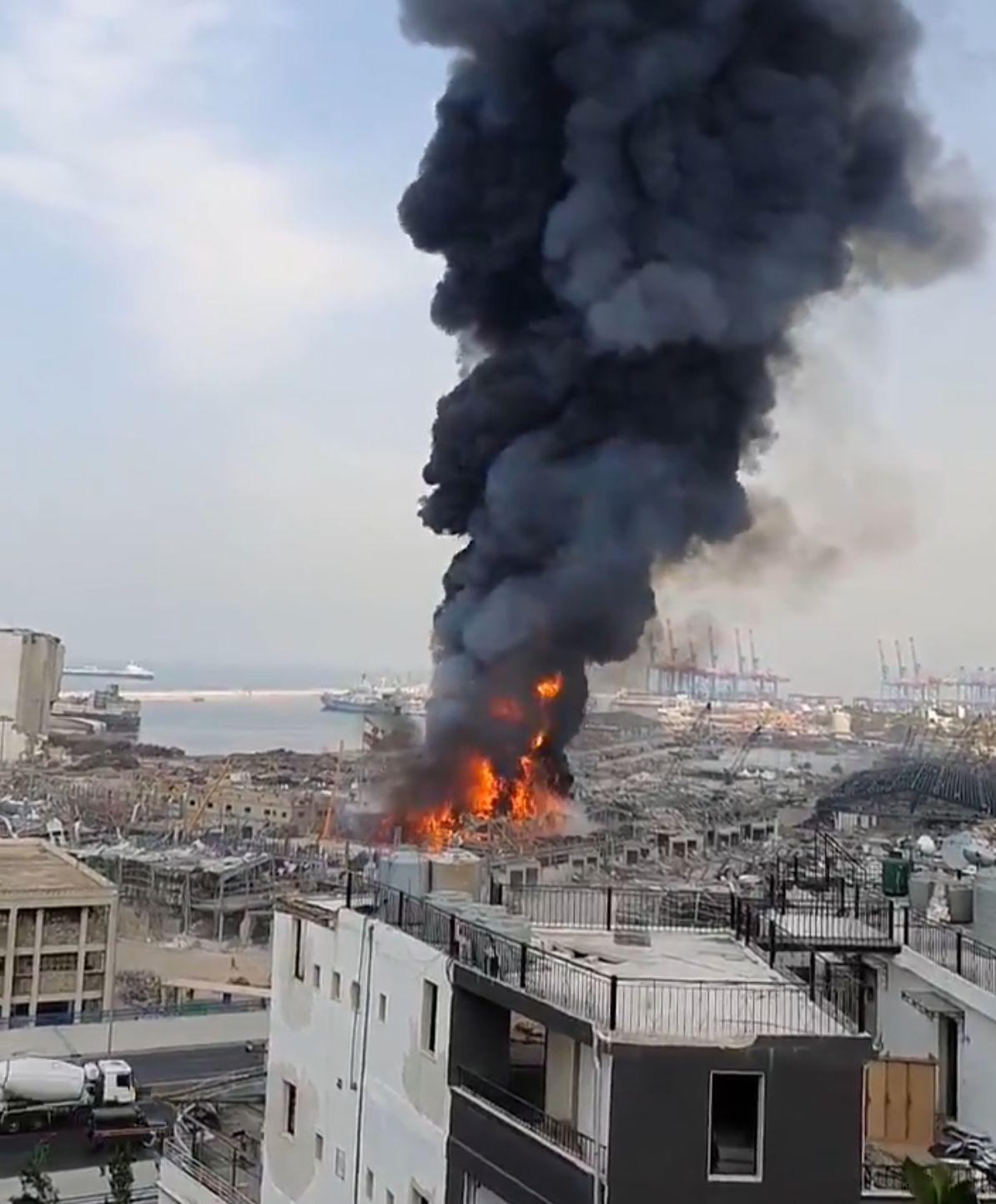 Incendiu în portul din Beirut