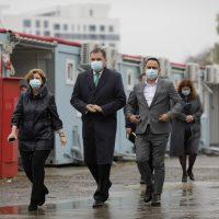 Ministrul Sănătății, Cseke Atilla, în vizită la spitalele modulare din Pipera.